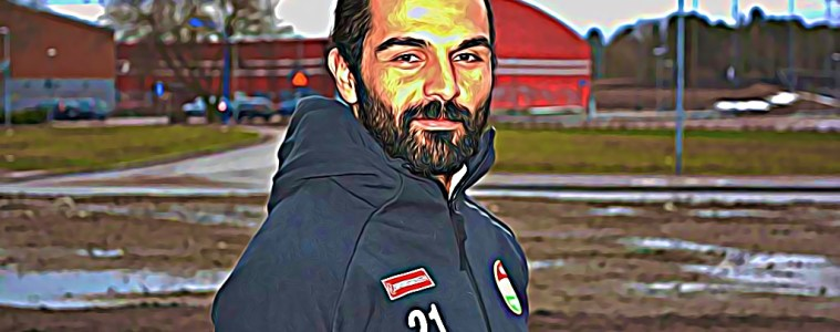Peshraw Azizi est un migrant Kurde arrivé en Suède en 2000, et devenu capitaine du Dalkurd FF, un club de football local, récemment monté en première division.
