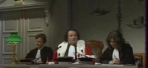 tribunal-flagrants-delires_22okv_3hbh71