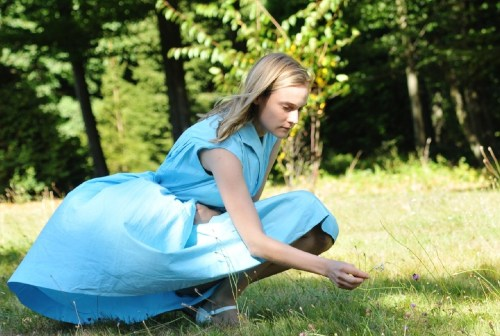 Diane Kruger, la grande soeur qui va se laisser prendre au jeu de sa cadette...