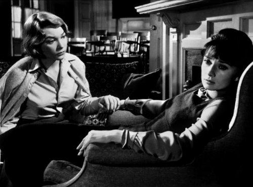 "Audrey Hepburn Shirley Maclaine ""La_rumeur"""