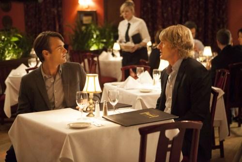 L'auteur de la pièce et le metteur en scène ont rendez-vous dans le même restaurant, mais avec qui ?...