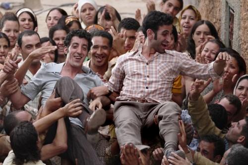 La chute du Chah les libère de prison...