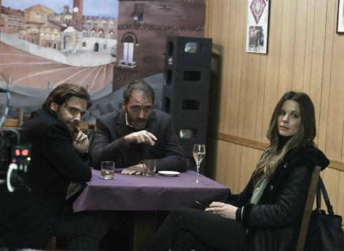 Entre le réalisateur et la journaliste, l'homme à qui Pérouse appartient