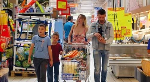 Quand l'argent rentre à la maison ( mais comment ? ), c'est la folie des achats .
