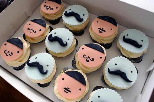 moustache_cupcake