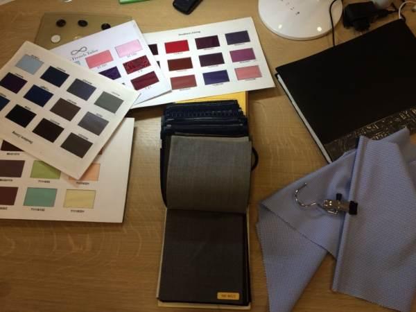 Le choix du tissu et des couleurs de la future chemise