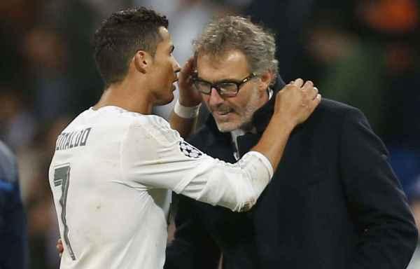 Ronaldo en grande discussion avec Laurent blanc