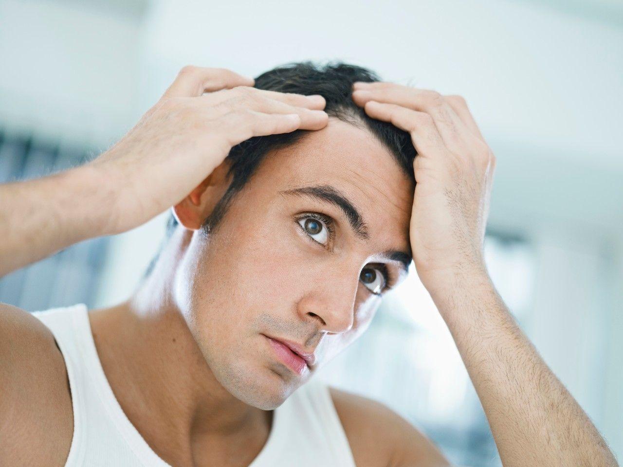 Coupe de cheveux masculine comme un lep