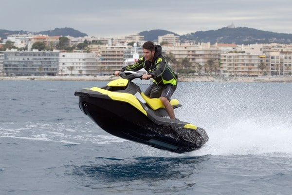 Moto marine SEA-DOO SPARK piloté par Moana Moo-Caille