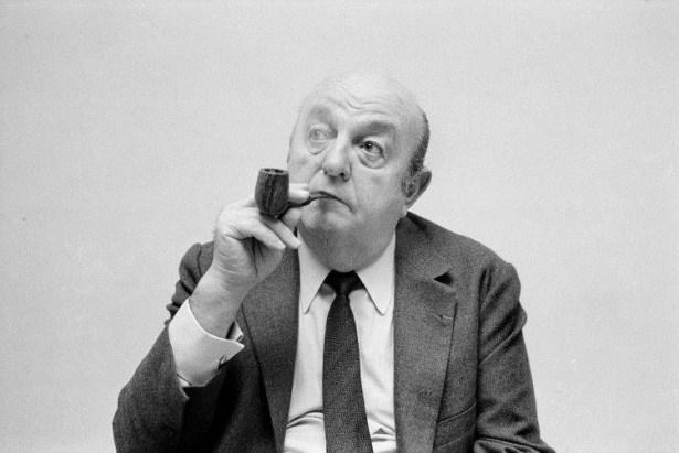 Bernard Blier et sa pipe