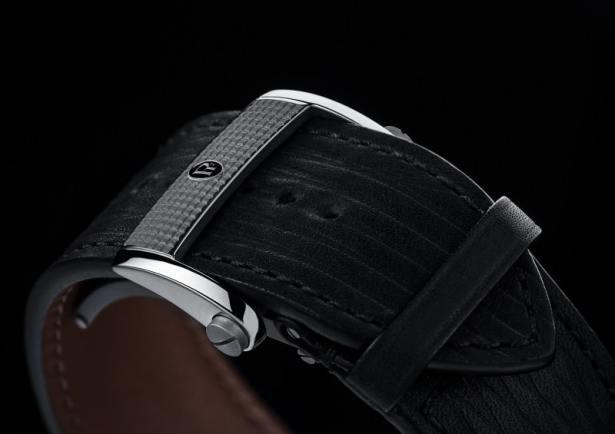 Montre Bugatti Aérolithe Performance par Parmigiani Fleurier / bracelet en cuir de veau