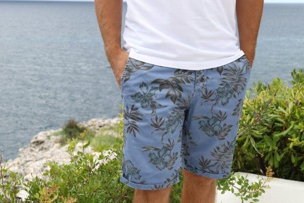 Un bermuda qui sent bon les Tropiques ! motifs tropicaux