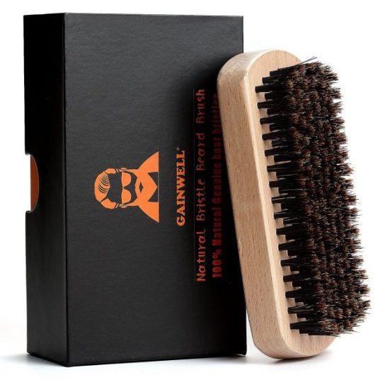 Brosse à barbe en bois et soie de sanglier 100% naturelle