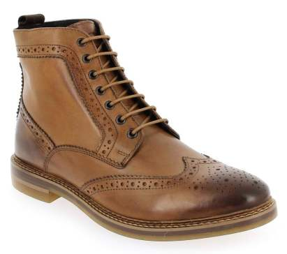 "chaussures en cuir : une invitation au style 100% ""british"""