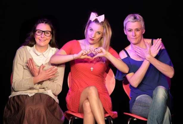 3 femmes prêtes à vous accueillir au théâtre du Splendid !