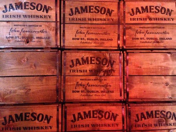 Les célèbres caisses de bois Jameson