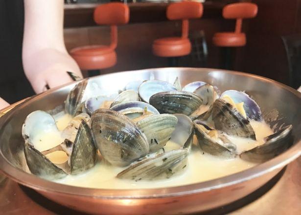 Les palourdes à la crème, une des meilleures sauces que j'ai pu manger - Restaurant Le Duc