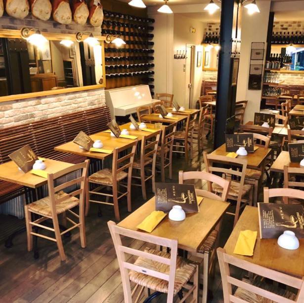 Salle du restaurant La Salsamenteria Di Parma Paris