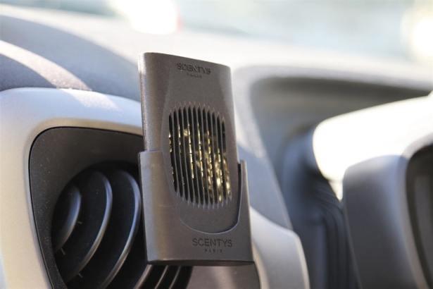 diffuseur-parfum-voiture-capsy-design