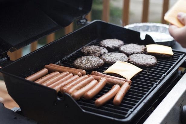 meilleurs-barbecue-gaz-615x410 (2)