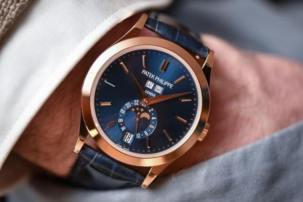 montre-patek-philippe-grandmaster-5396R-monochrome-watches