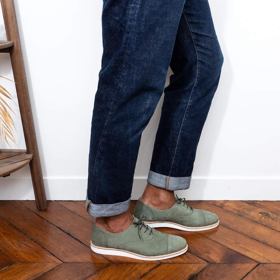 Derbies pour homme Miss Kiwi en nubuck vert kaki - 169€