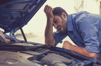 Moteur de voiture cassé : on change de voiture ou on remplace ?