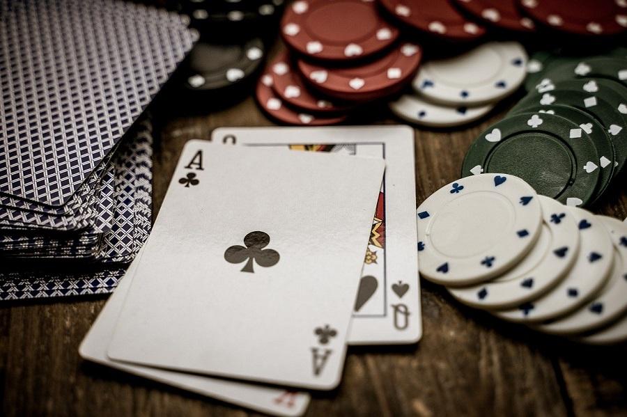 Jeux d'argent en ligne : ce qui pousse les joueurs à miser toujours plus