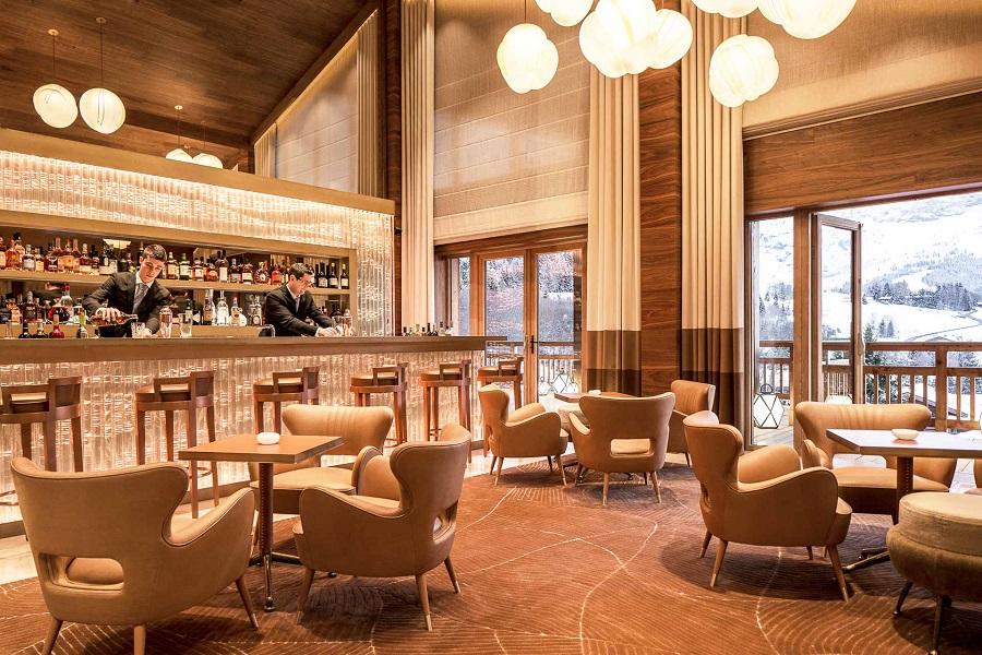 Hôtel Four Seasons de Megève : Bar + lounge avec vue