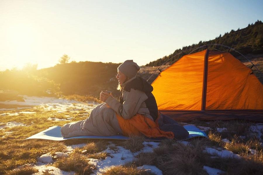 Camping sauvage : quel sac de couchage prévoir ?