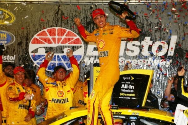 NASCAR Joey Logano defends title