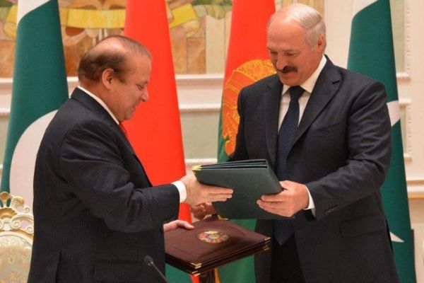 Nawaz Sharif and Alexander Lukashenko