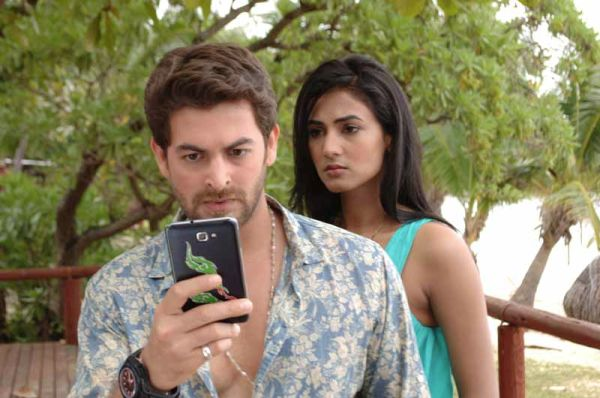 Neil Nitin Mukesh and Sonal Chauhan in a scene in 3G