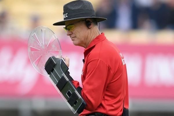 Use of protective arm-guard restricting umpire Bruce Oxenford's movement on field?