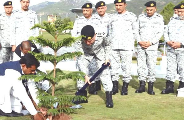 Pakistan Navy kicks off plantation drive of 4 million trees