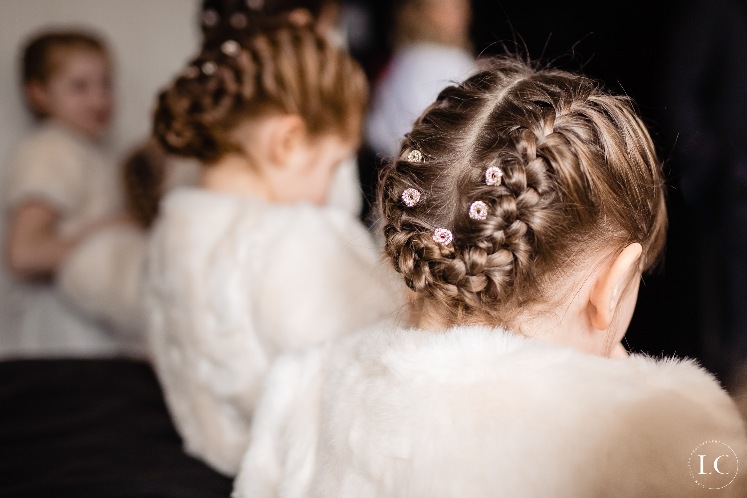 Hairstyle of flower girls