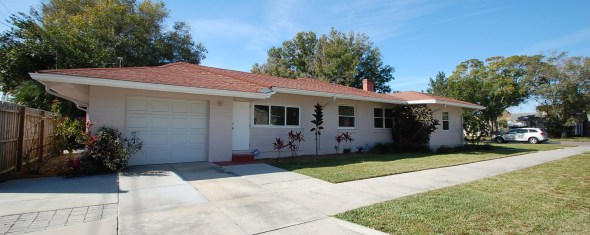 Adorable New Listing: Turnkey 2 bedroom 2 bath
