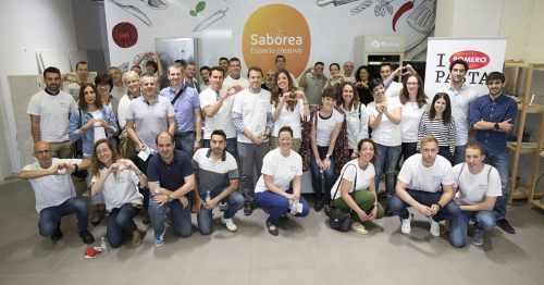 "Participants at ""Por Ti"" CSR Program"