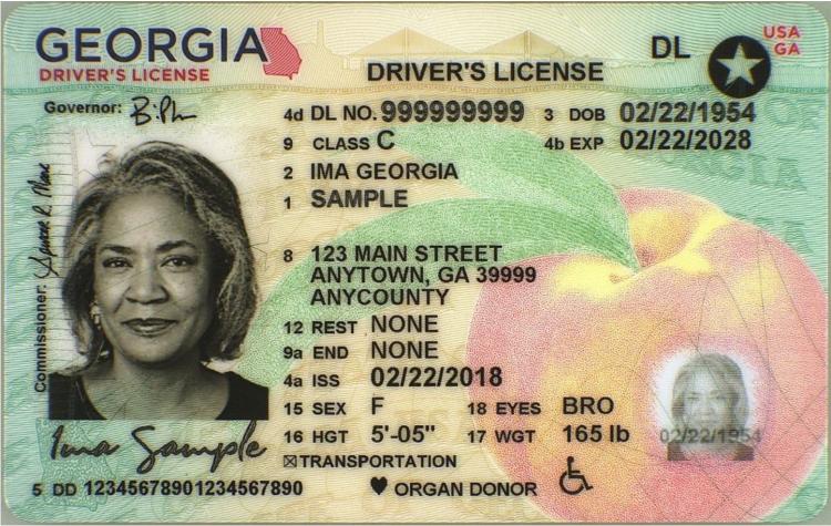 Gratis ID-kort har vært tilgjengelig i Georgia siden 2007. De ser ut som på bildet, men ordene Driver's license er erstattet av Identification Card. Kilde: Georgia Department of Driver Services.