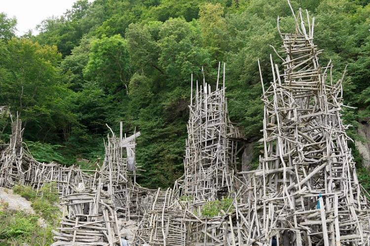 Vise andre deler av Lars Vilks' kunst.