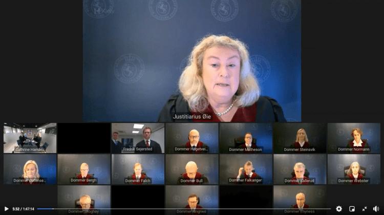 Høyesterett i plenum under domsavsigelsen i klimasøksmålet. Skjermdump fra Høyesterett.