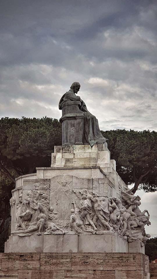 statua Mazzini