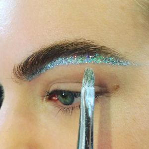 shimmer-and-gold-glitter-brows-liberata-dolce-beauty-fashion-2016
