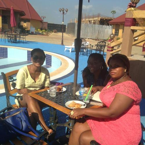 Guests chill by the poolside to threats at Jandy