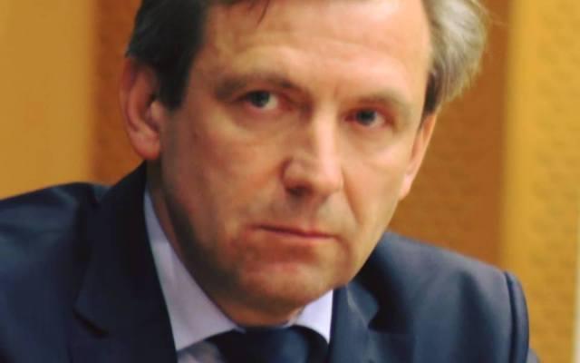"""Cornel Radu-Loghin, primul român care a militat pentru drepturile nefumătorilor, continuă lupta de la Bruxelles: """"În România se produce un regres, prin noile țigări care nu sunt reglementate. Industria tutunului profită de acest lucru, promovându-le ca produse sănătoase."""""""