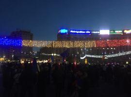 Câteva sute de oameni s-au adunat în Piața Victoriei, de Centenar