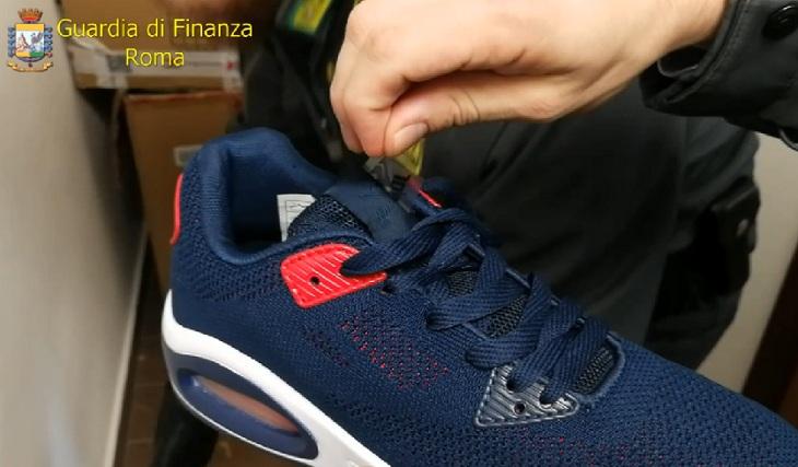 quadro nike scarpe