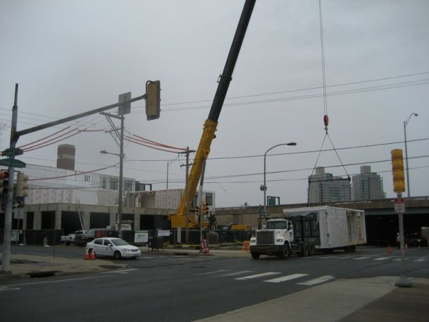 Crane Setting Modular Apartments