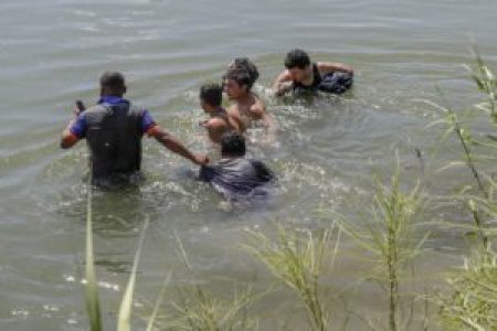 illegal immigration in water