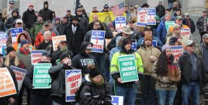 Hundreds Gather at WA Capitol to Defend Second Amendment Rights
